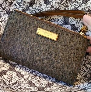 Michael Kors Adele wristlet wallet fits smartphone